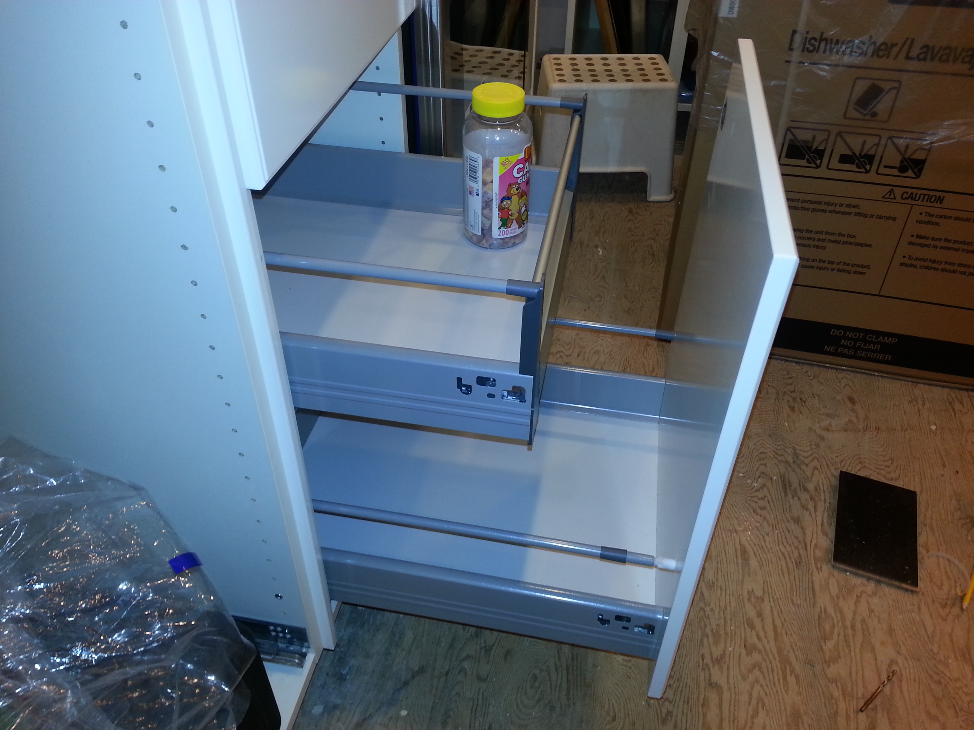 More cabinet progress and I don\'t always listen – My Taratory